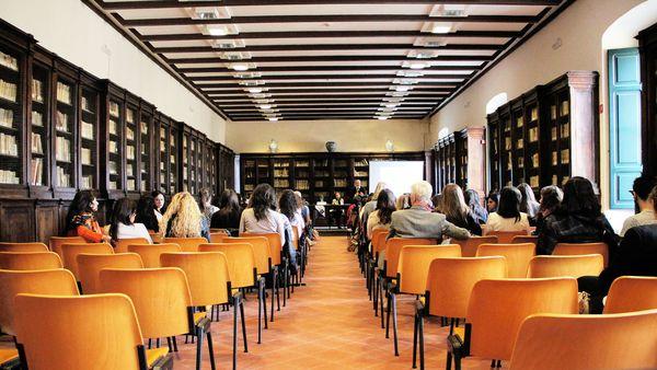 formacion talleres clases instituto tecnicas holisticas majadahonda
