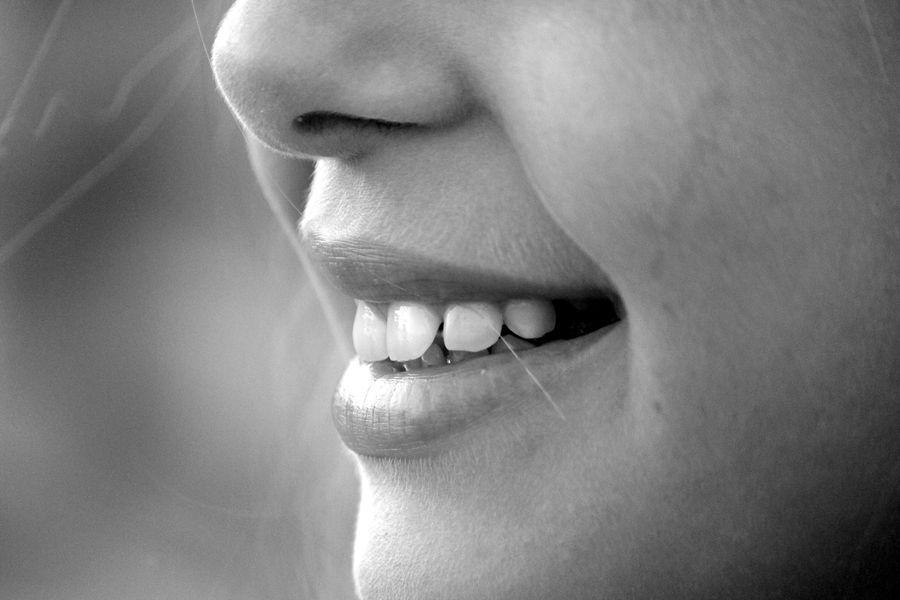 LOS FOCOS DENTALES: la boca como mapa de la salud del cuerpo